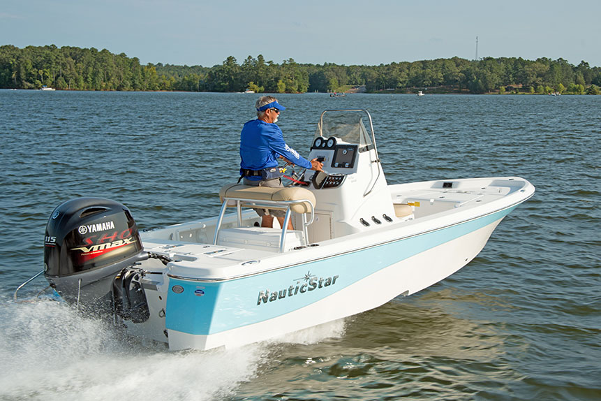 Man captaining a NauticStar 195 Bay