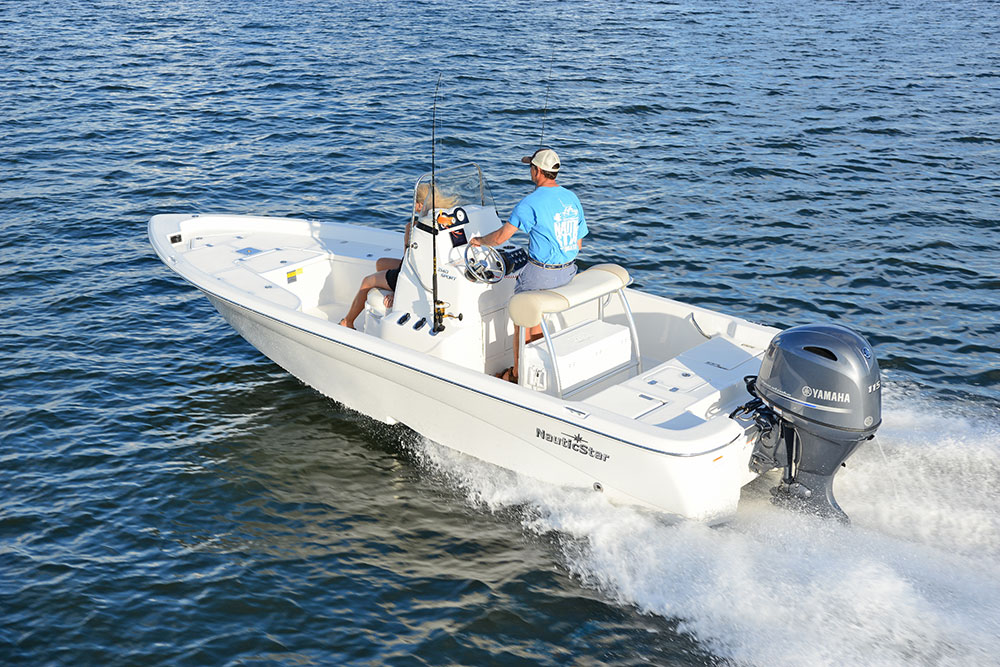 Man captaining the NauticStar 2140 Shallow Bay