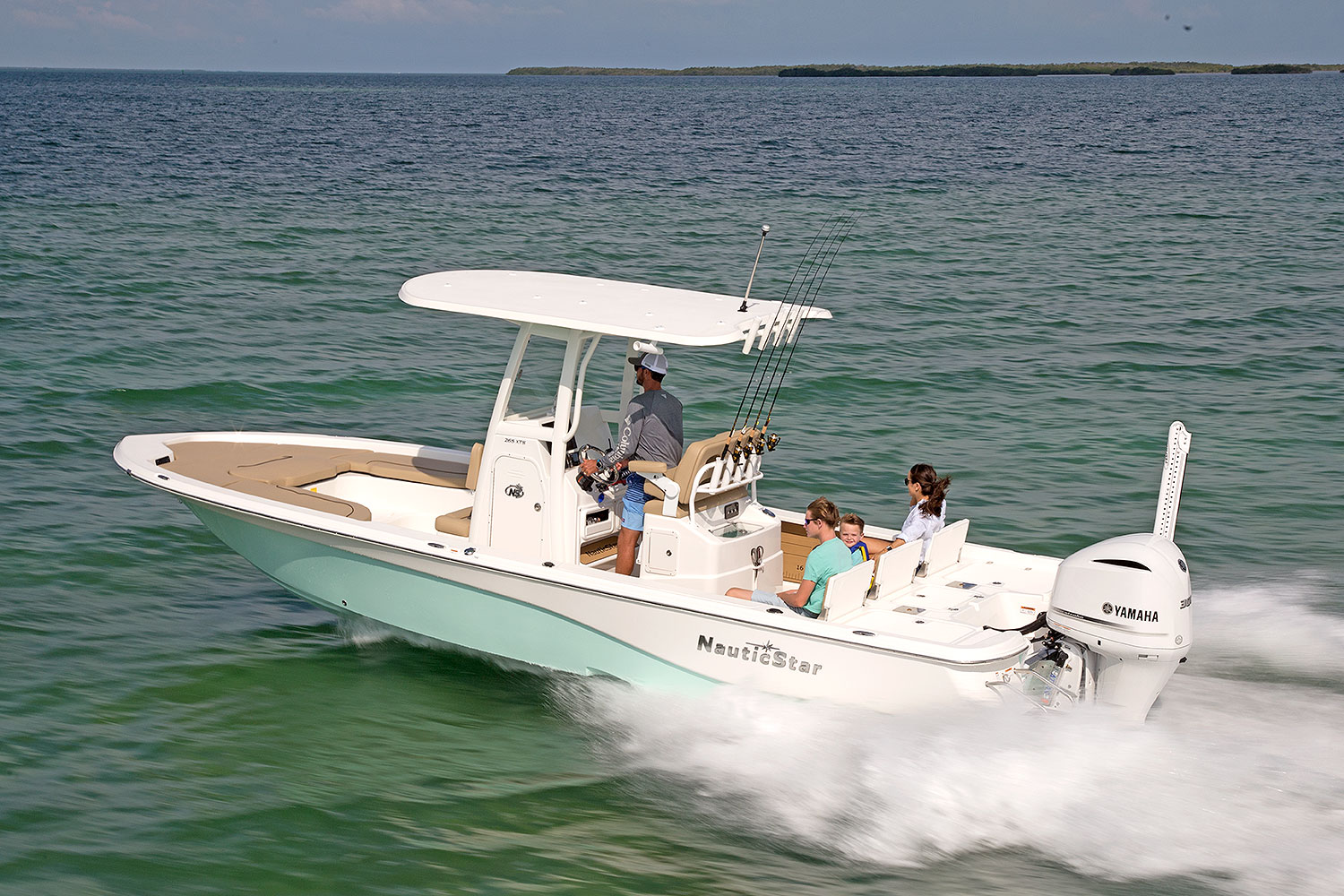 265XTS boat on the water