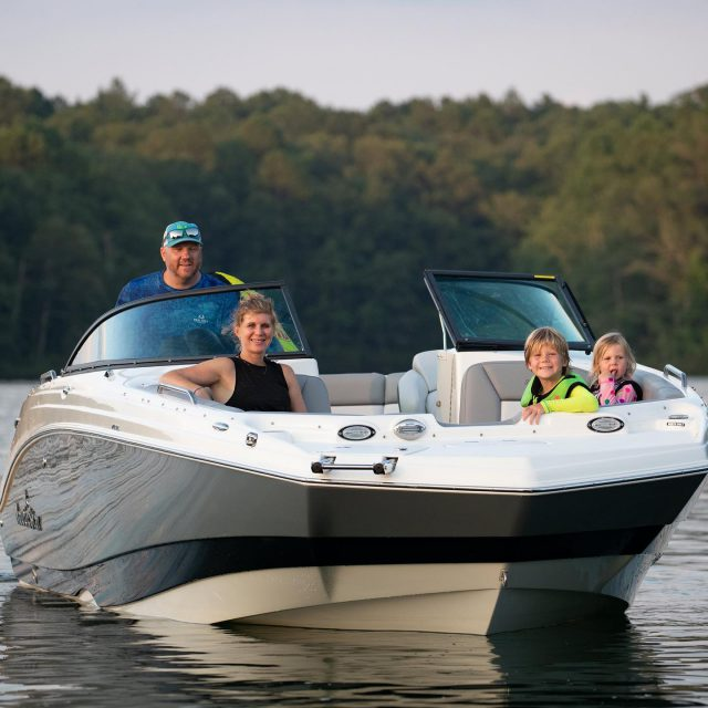 Get your family ready for the weekend… #243DC 📸: @urbancamperphoto  ~ ~ #boating #boatinglife #boats #boat #boatlovers #nauticstar #nauticstarboats #bayboat #fishing #fishermen #fish #bluewater #redfish #deckboat #inshorefishing #offshore #floridasportsman #yamahaoutboards #simradyachting #socialdistancing #centerconsoleboats #speckledtrout #sportfishing #instagood #picoftheday