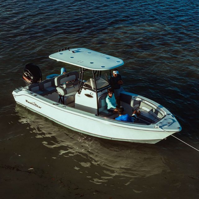 Relaxing and reconnecting. #2102Legacy 📸: @veteranmediagroup  ~ ~ #boating #boatinglife #boats #boat #boatlovers #nauticstar #nauticstarboats #bayboat #fishing #fishermen #fish #bluewater #redfish #deckboat #inshorefishing #offshore #floridasportsman #yamahaoutboards #simradyachting #socialdistancing #centerconsoleboats #speckledtrout #sportfishing #instagood #picoftheday