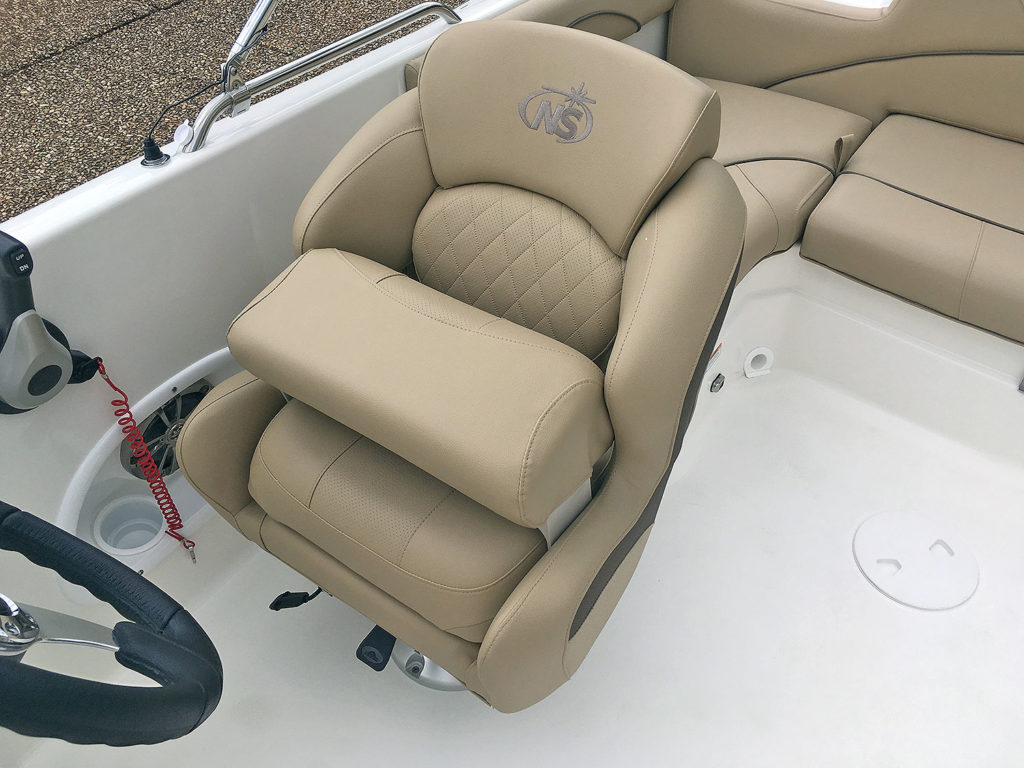 203SC-helm-seat1_IMG_3756