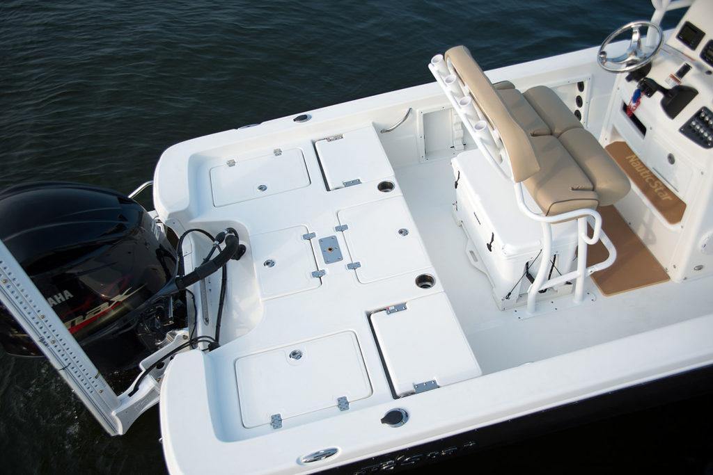 244XTS-aft-fishing-deck_RS72814